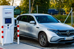 mercedes-benz-eqc-2020-06