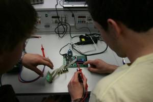 elektroniker-elektriker-ausbildung-pruefung