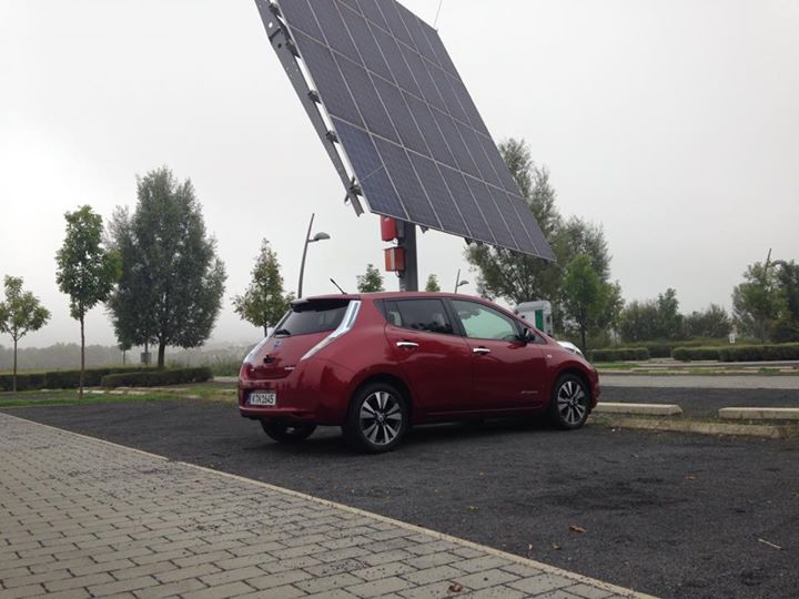 barcamp-renewables-nissa-leaf-laden