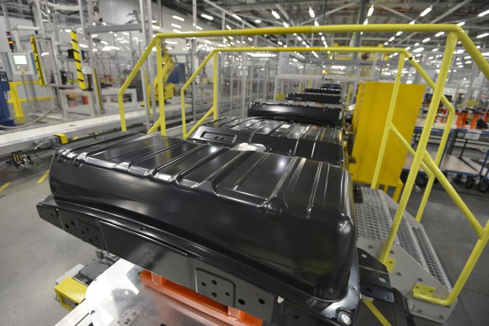 1_NISSAN_BATTERY_PLANT