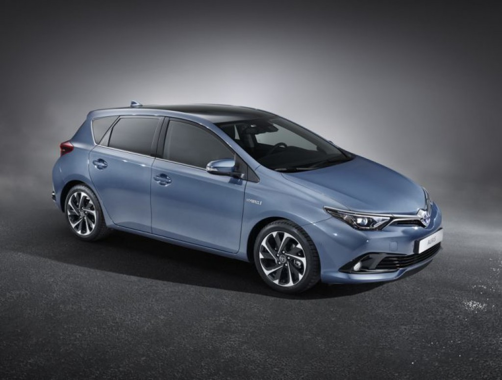 toyota auris hybrid und touring sports hybrid in genf. Black Bedroom Furniture Sets. Home Design Ideas