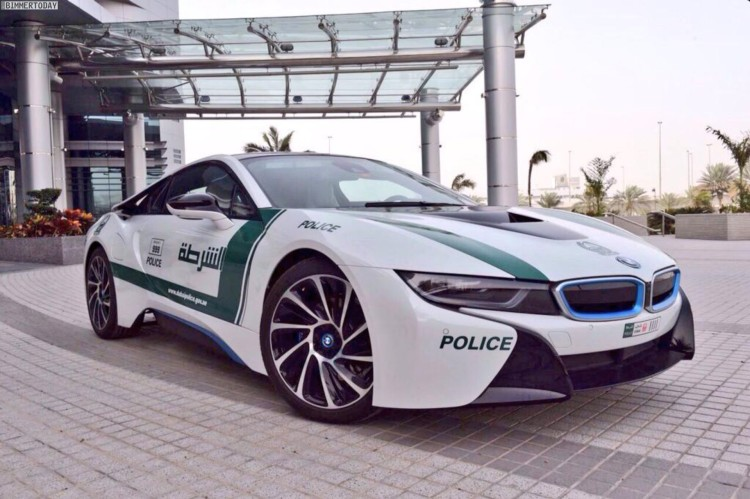 dubai-police-bmw-i8-polizeiauto