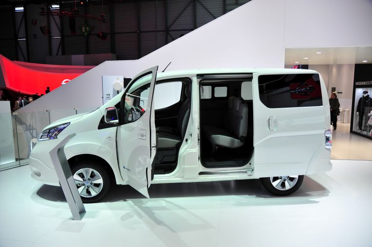 nissan-e-nv200-evalia-elektroauto-7-sitze