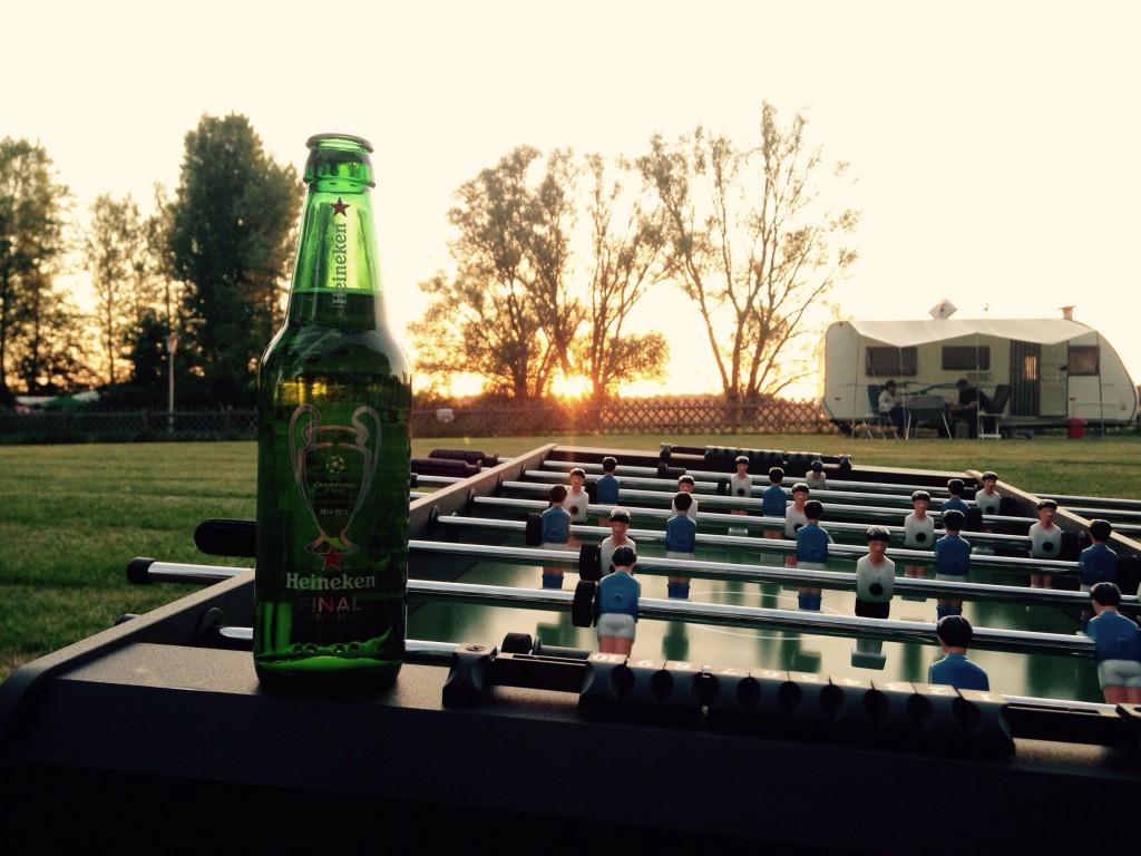 Heineken - Kickertisch am Campingplatz