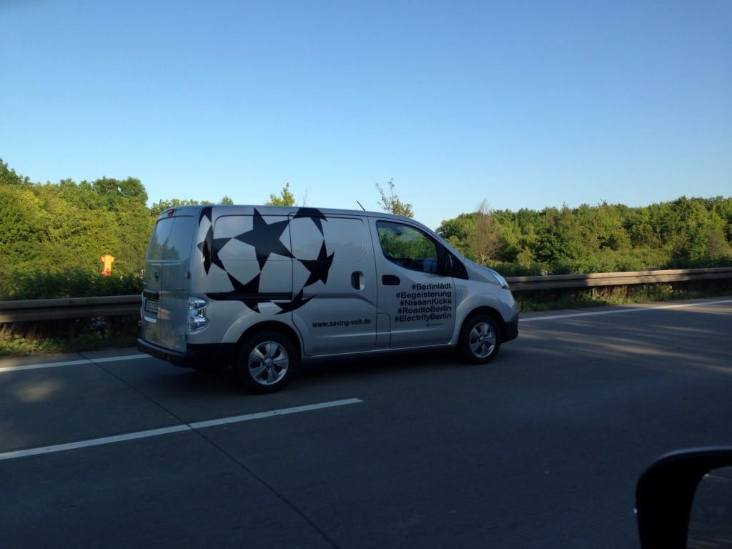Nissan e-NV200 auf der Autobahn