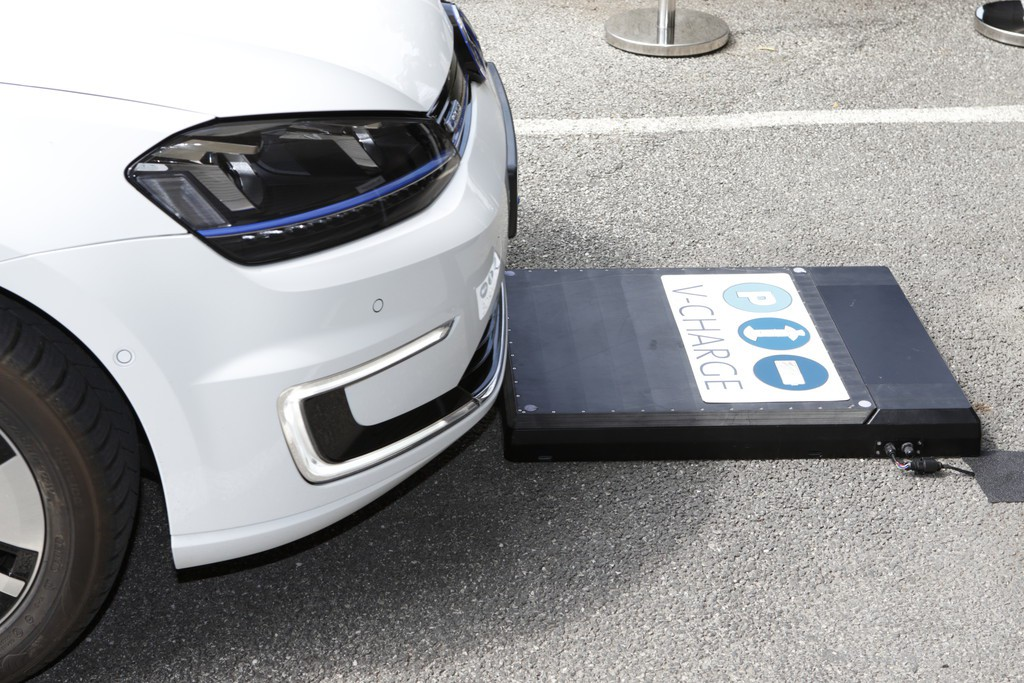 vw-e-golf-v-charge-induktion