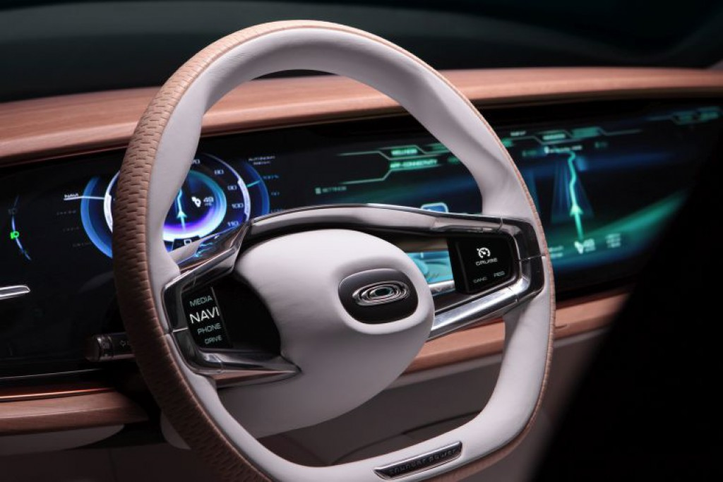 thunder-power-sedan-interieur-1-iaa-2015