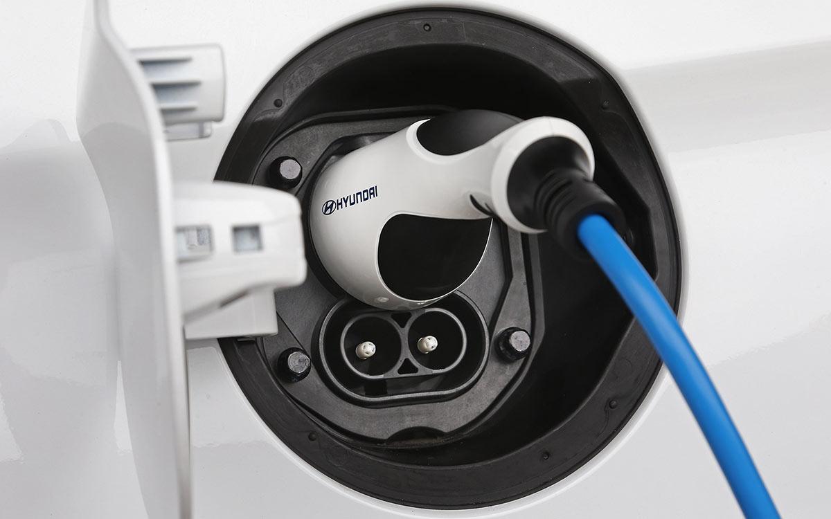 Umweltfreundlich Autofahren: Elektromobilität und andere Beiträge zum Umweltschutz