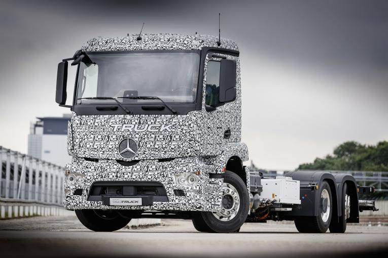 Weltpremiere für den Mercedes-Benz urban eTruck: lokal emissionsfreier und leiser Verteilerverkehr