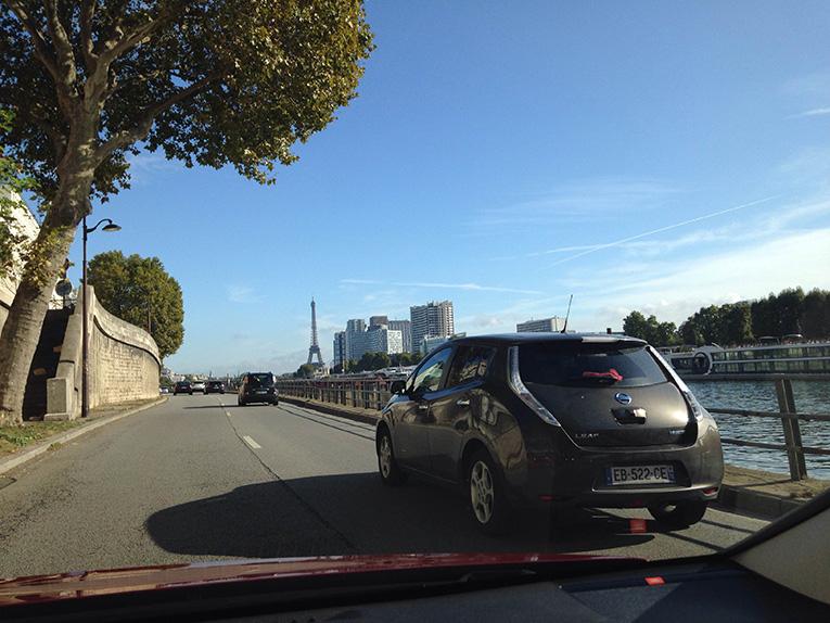 paris-nissan-leaf-frankreich-elektroauto