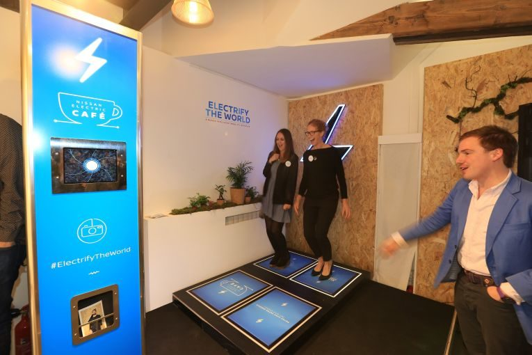 Nissan's electric cafe opens in Paris