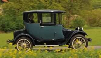 Techno Classica – Geschichte der Elektromobilität in Essen
