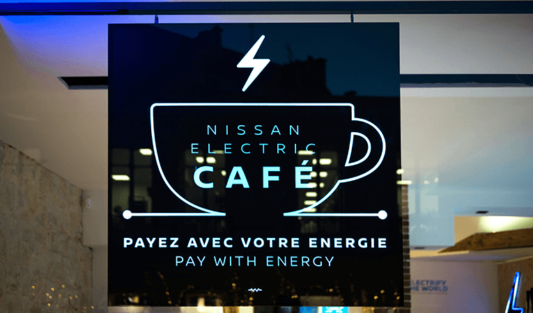 nissan-electric-cafe-essen-schild