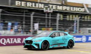 jaguar-i-pace-etrophy-formel-e-season-4-berlin-2018-03